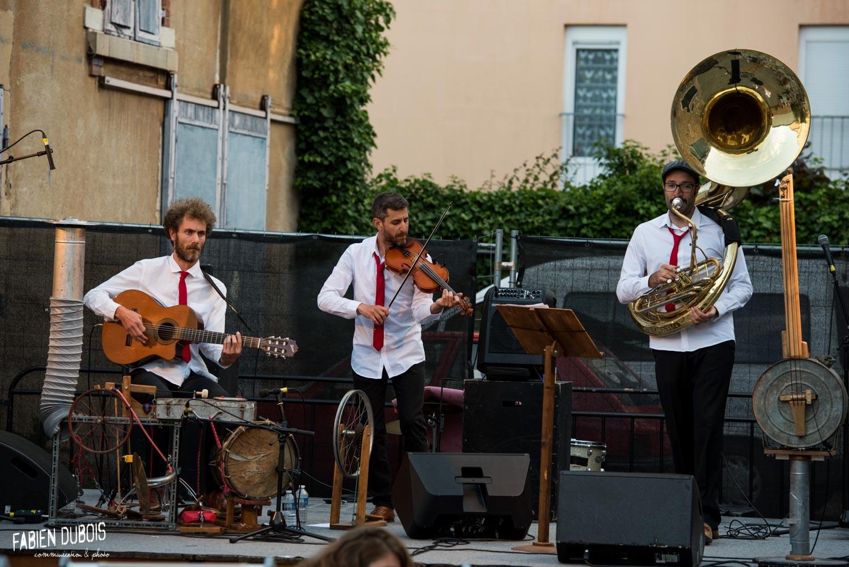 Photo Azimut Crin Crin Bric à Brac Orchestra Cave à Musique Cavazik Apéros dans la Cour Mâcon