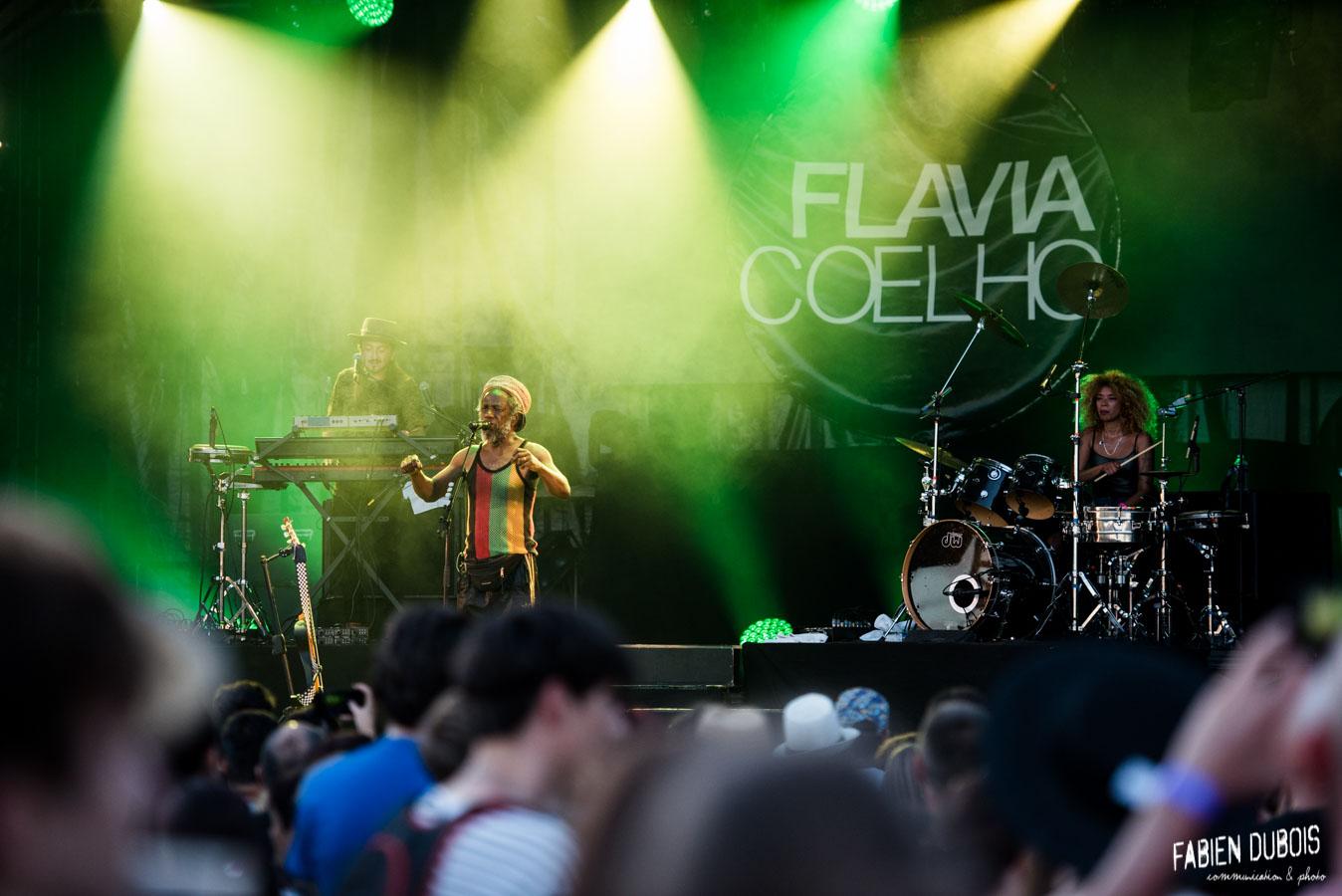 Photo Flavia Coelho Festival Chien à Plumes Villegusien le Lac Langres 2017